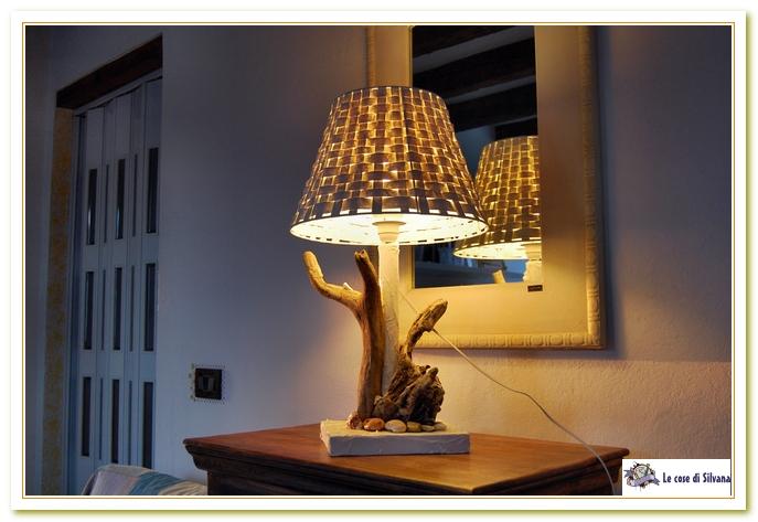 Lampade In Legno Di Mare : Intrigues lampada da tavolo con legni di mare von tendance nature